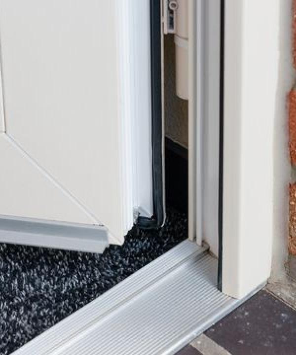 Renovatie dichtingen voor kunststof deuren elton bv for Inmeetmal voor deuren